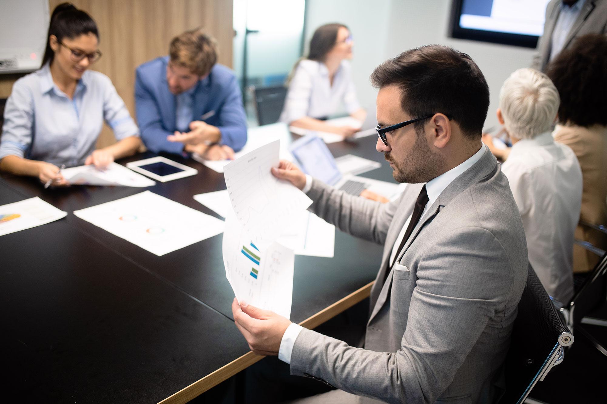 creative-business-people-working-on-business-proje-3CJVL2K.jpg